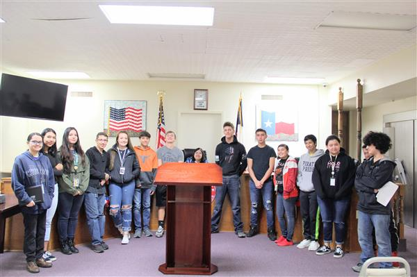 11-14-2018 Honors World Geography Students Make Presentations to Lytle City Hall